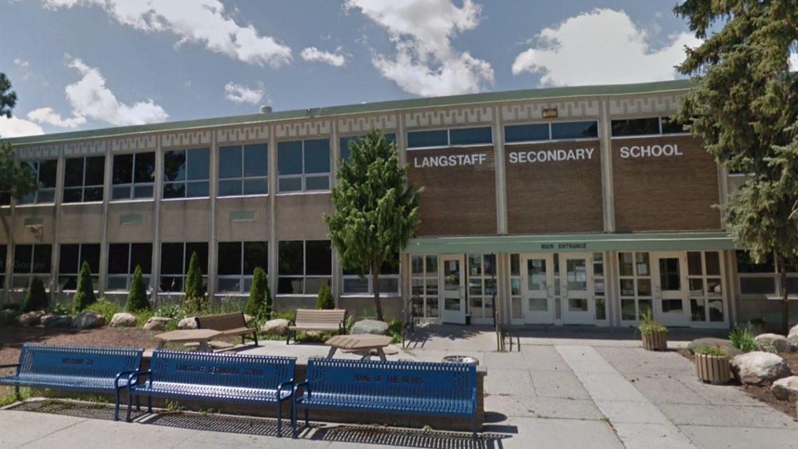 多伦多地区兰斯塔夫中学 Langstaff Secondary School (LSS)